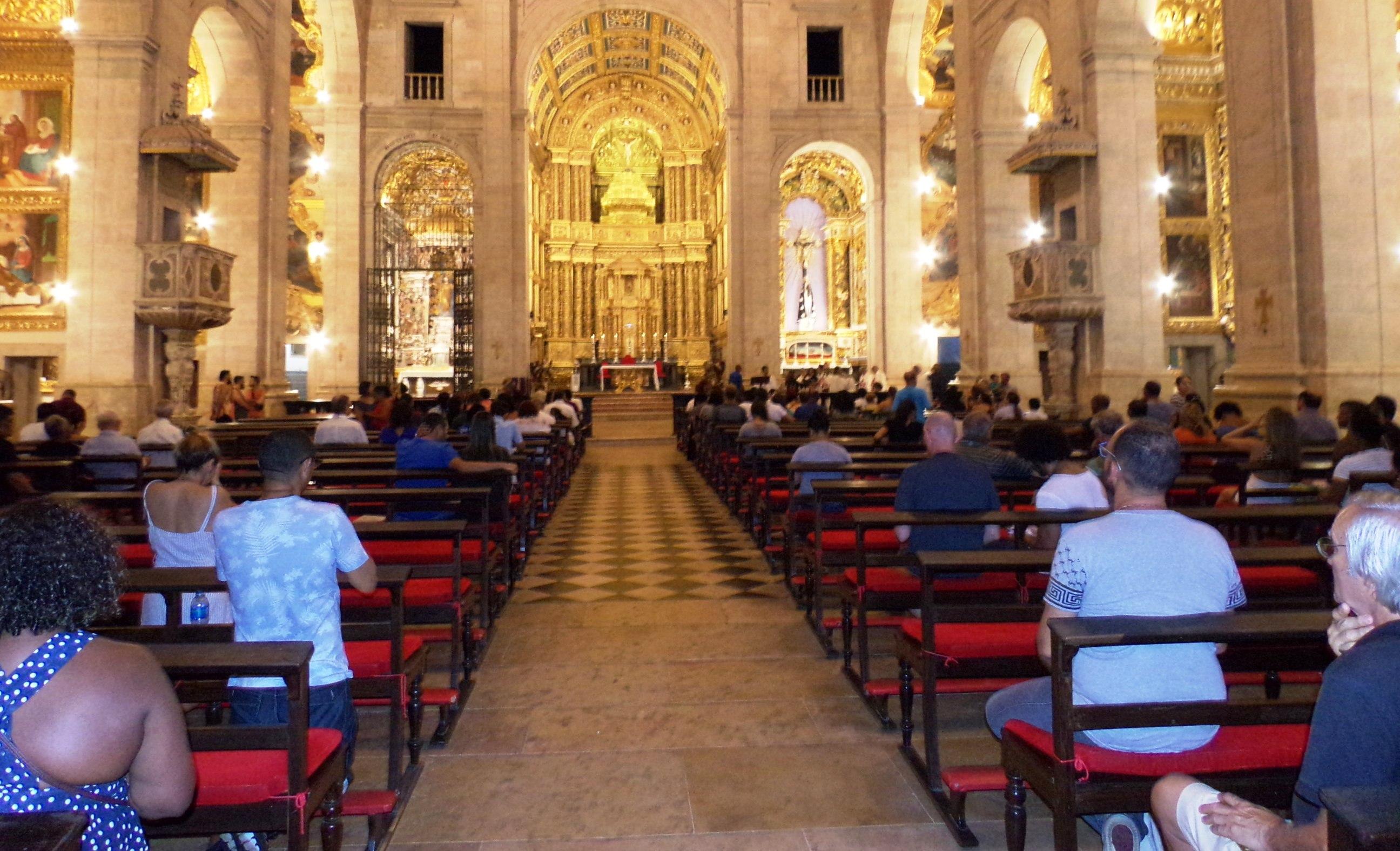 Início da Quaresma, na Catedral, em Salvador, é marcado com o pedido de Penitência durante este período